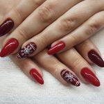 Winter nails – poznaj najmodniejsze paznokcie na zimę, sylwestra i karnawał